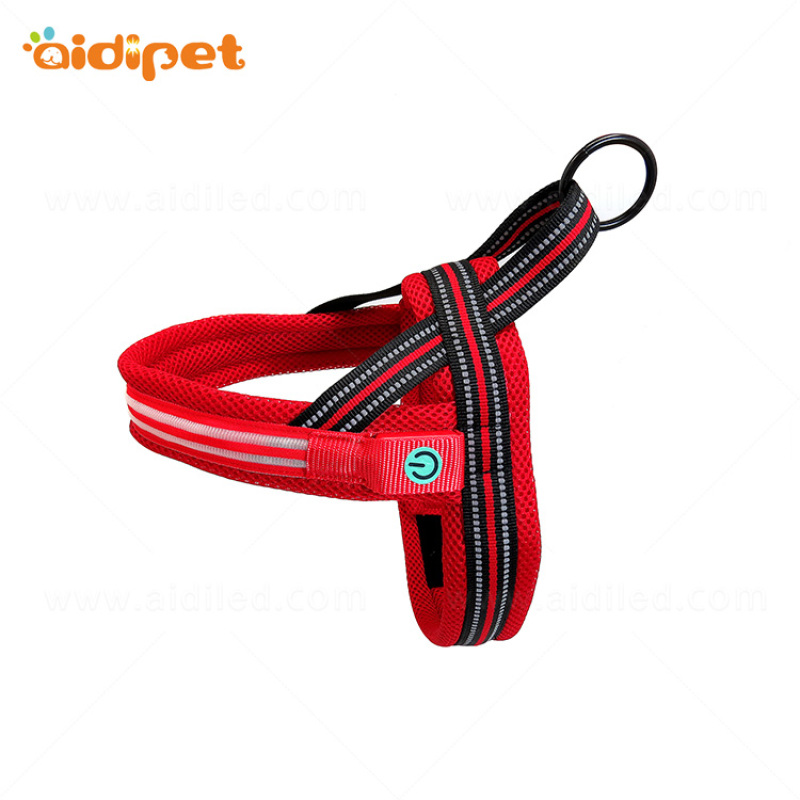 China Pet Supply Led Pet Harness with Reflective Stitching Mesh Harness Flashing Dog Harness Wholesale
