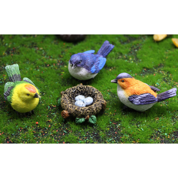 Handpainted Resin Birds Laying Eggs In The Nest
