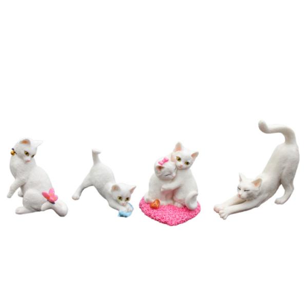 Cat Resin Decoration