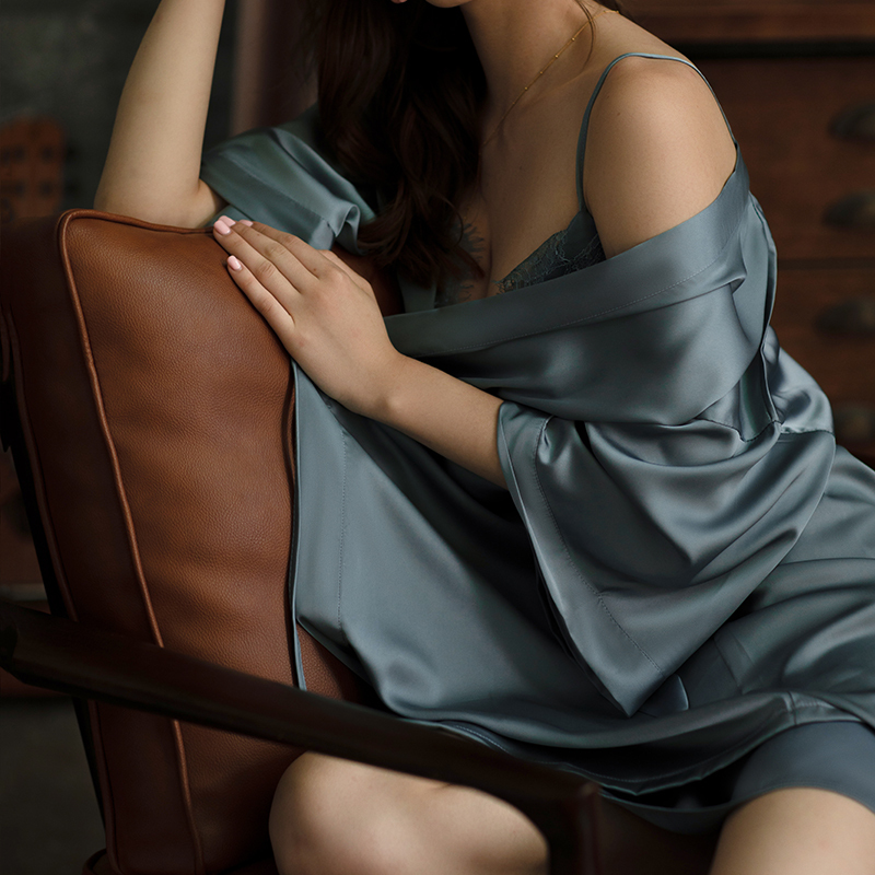 Solid Color V-neck Natural 100% Silk Robe