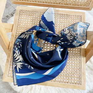 Paper Crane Double-sides Print 16 Momme Silk Twill Scarf