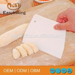 Convenient bakeware food grade cake tools plastic scraper wholesale