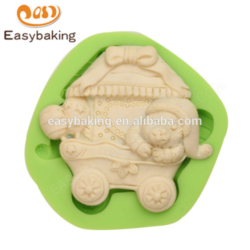 2017 new hot selling food grade teddy bear carriage silicone molds