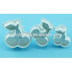 Customizable safe and non-toxic plastic flower plunger cutter set