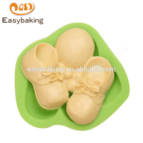 China manufacture wholesale baby shoes and football silicone molds