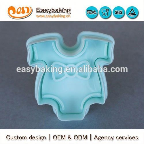3D Cartoon Mini Customized Baby Cloth Plastic Cookie Cutters
