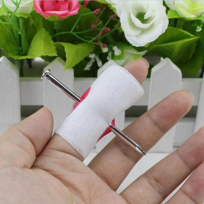 Nail Through Finger With Bandage Fake Bloody Novelty Fancy Dress Prank Party Prank Thru Thumb Bloody Gauze Fake Halloween