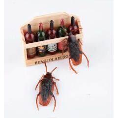 Halloween gadget Plastic Cockroaches Joke Decoration Props Rubber Toy Gags Practical Jokes Toys Plastic Bugs Cockroach Hot