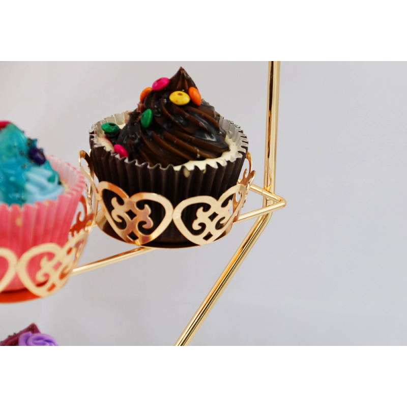 Beautiful Wedding Stocked Feature and Metal Material Cake Stand