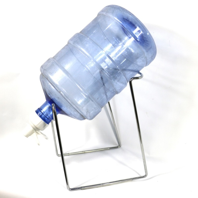 Spray paint promotional faucit white folding iron wire metal display 5 gallon water bottle storage rack with tap