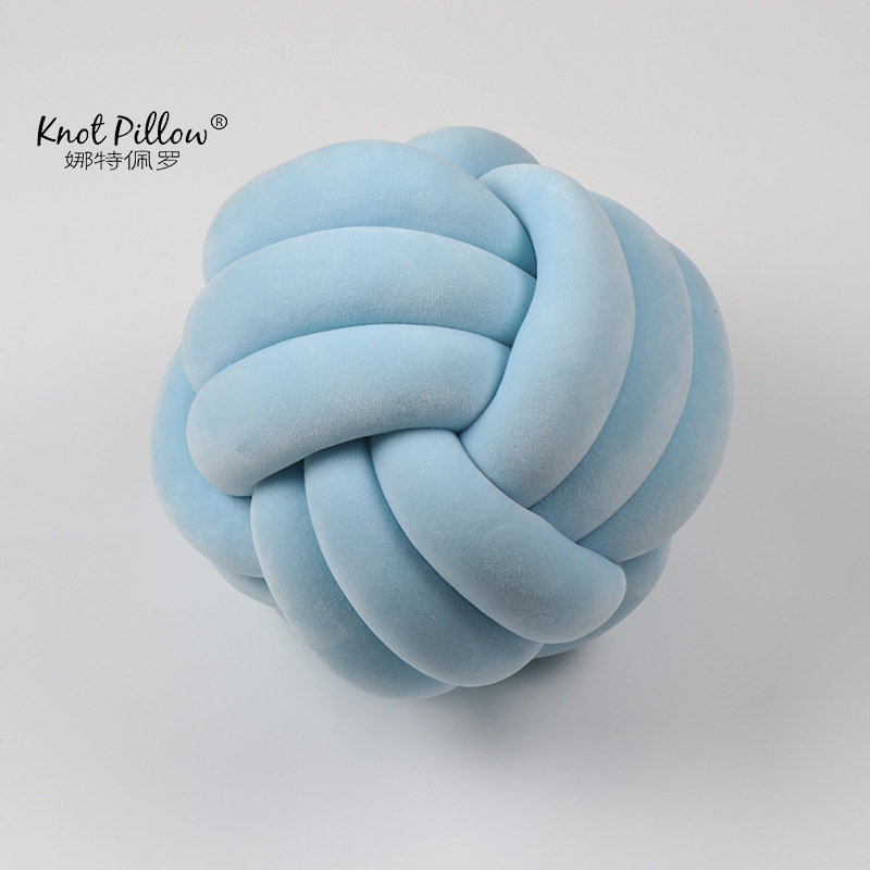 2019 Wholesale retail knot pillow cushion pillow ball for baby