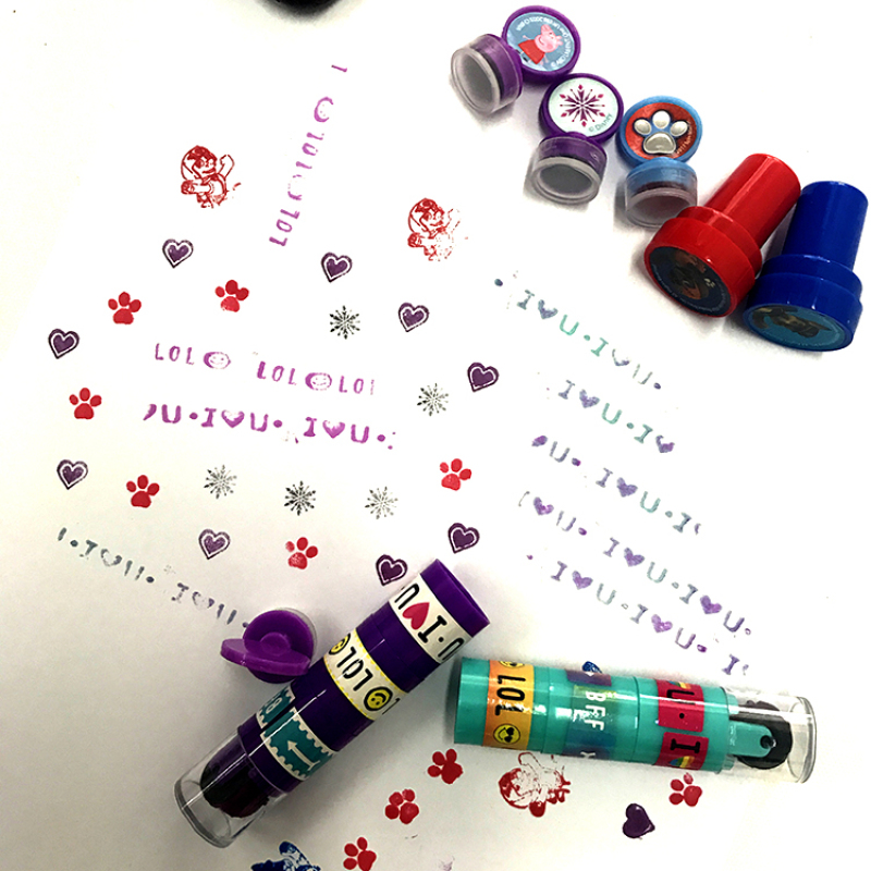 Custom plastic toy stamps/lovely kids cute toy stamp set plastic handle rubber stamp