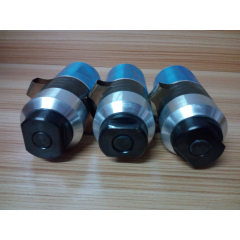 2600W 15khz ultrasonic welding transducer with booster for plastic welding machine