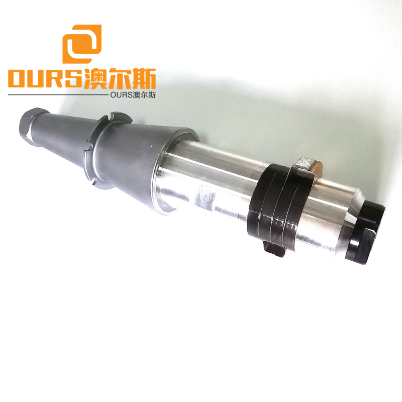 15khz Heat Resistance Ultrasonic Welding Transducer 2600W For Ultrasonic Sewing And Cutting Machine