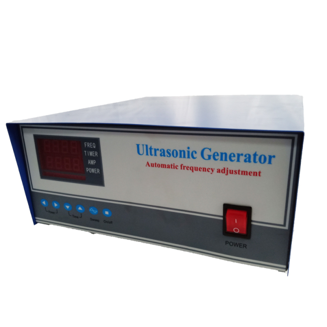 Intelligent ultrasonic generator for ultrasonic cleaning system