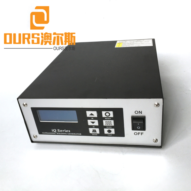 Factory Supply 20KHZ 2000W Ultrasonic welding generator for 3 Ply Surgical Non-Woven Disposal Face Mask Machine