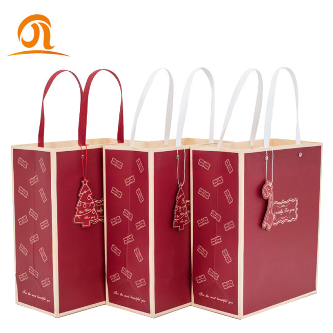 Wholesale Price Stock Small Order Clothing Store Paper Bags