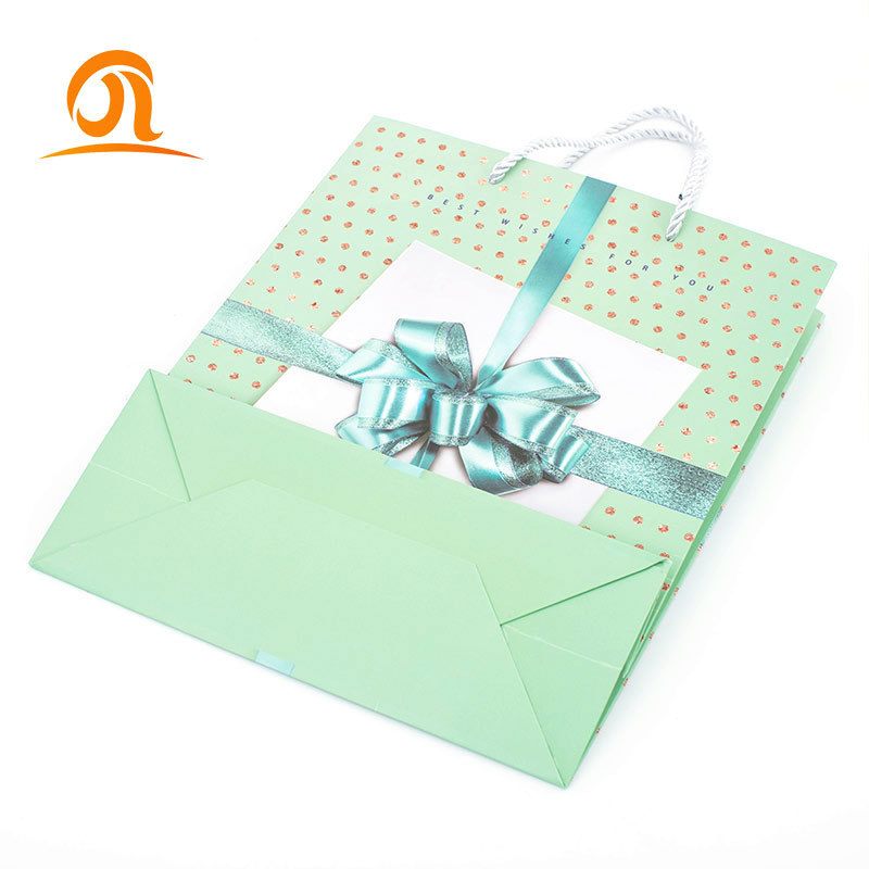 Chinese Suppliers Custom High Quality Black Paper Bags Shipping Clothing Gift Bags With Logo