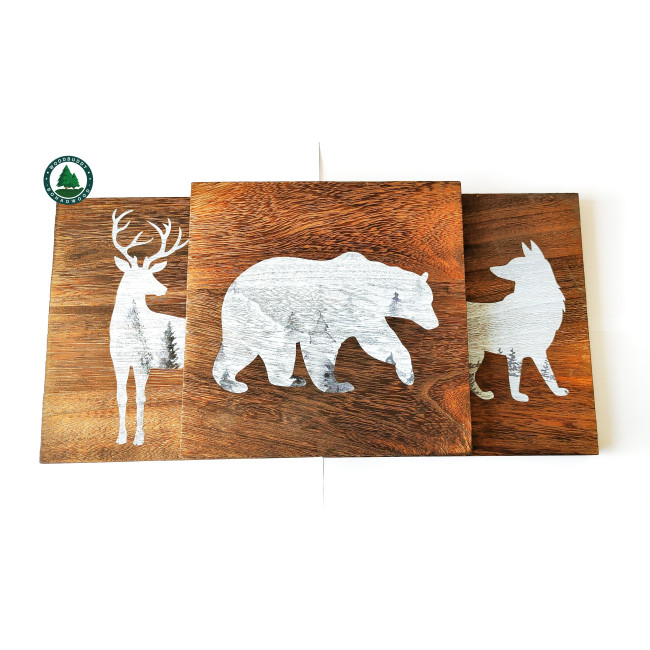 Wooden Cabin Decor with Bear, Deer and Moose - Woodland Themed Rustic Wall Decoration for Log Cabin, Hunting or Mountain Lodge