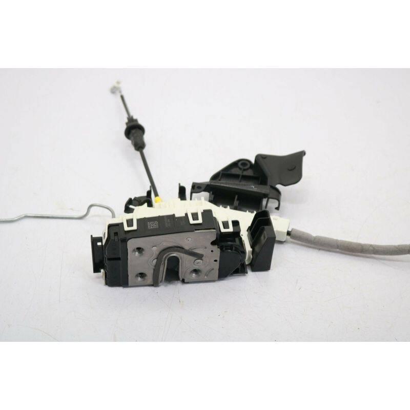 Door Lock Actuator  Front Right  2047203035 For  C(W204)2008-2014 E(W212)2010-2016GLA(X156)2015-2019GLK(X204)2011-2015 A(W176)2013-2018B(W246)2012-2017 CLA(C117)2014-2018 CLS(X218)2012-2017 CLS(C218)2011-2017C(W204)2007-2013  C(S204)2010-2013E(