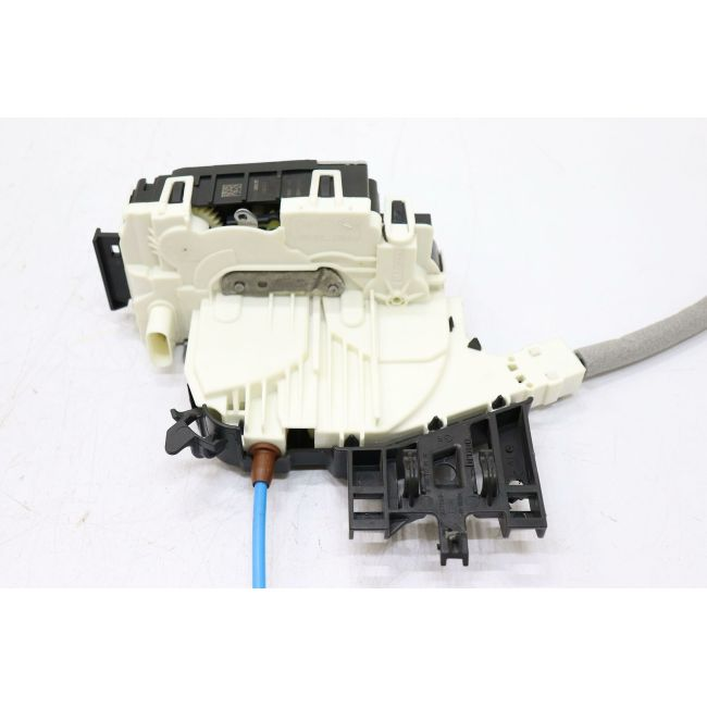 Door Lock Actuator  Front Left  1667200135          For CLA(C117)2014-2018 GLA(X156)2015-2019 A(W176)2013-2018 B(W246)2012-2017 CLA(C117)2014-2018GLA(X156)2014-2018GLE(W166)2015-So far GLS(X166)2015-2018 GL(X166)2012-2016 M(W166)2012-2016