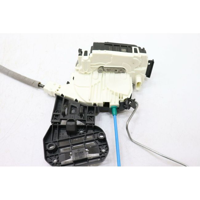 Door Lock Actuator  Rear Right  2047303035 For C(W204)2008-2014 GLA(X156)2015-2019 GLK(X204)2011-2015 A(W176)2013-2018 B(W246)2012-2017 CLA(C117)2014-2018CLS(C218)2011-2017C(W204)2007-2013 E(W212)2009-2010 GLA(X156)2014-2018 GLE(W166)2015-So far