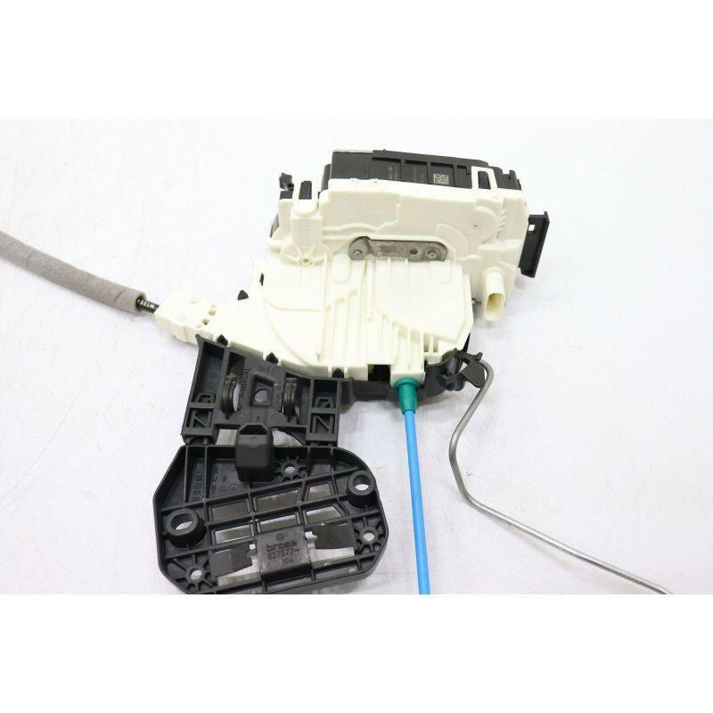 Door Lock Actuator  Rear Right  2047303035 For C(W204)2008-2014 GLA(X156)2015-2019 GLK(X204)2011-2015 A(W176)2013-2018 B(W246)2012-2017 CLA(C117)2014-2018CLS(C218)2011-2017C(W204)2007-2013 E(W212)2009-2010 GLA(X156)2014-2018 GLE(W166)2015-So far