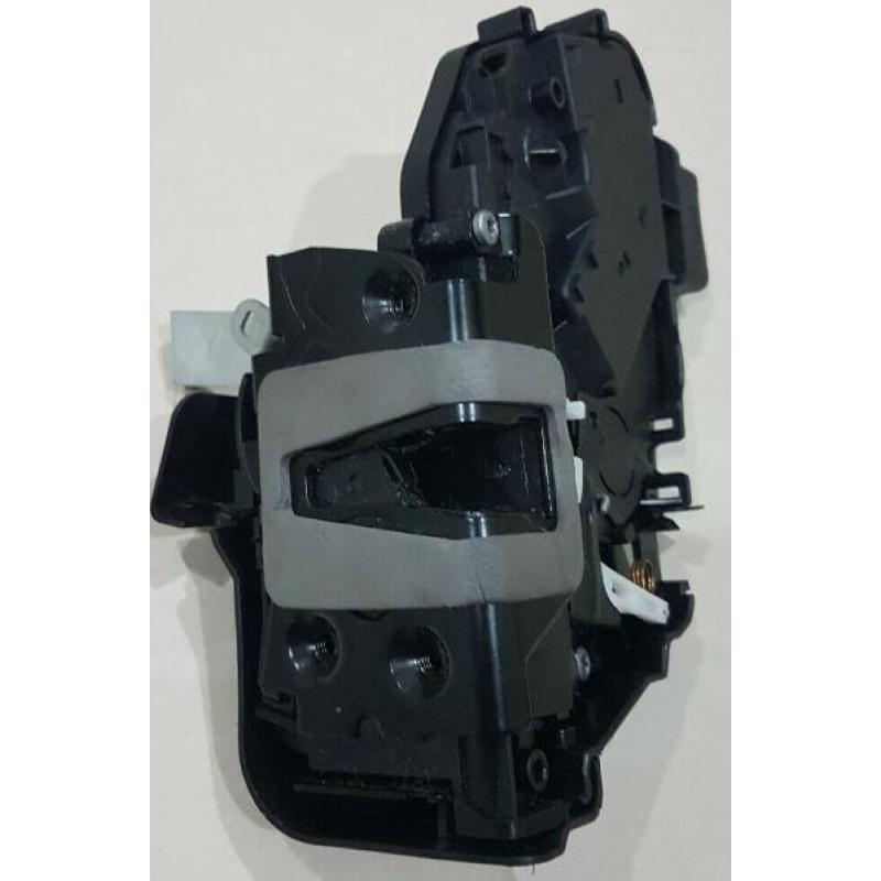 Door Lock Actuator  Front Right  7M2A-R21812-CD For Mondeo (08-12)