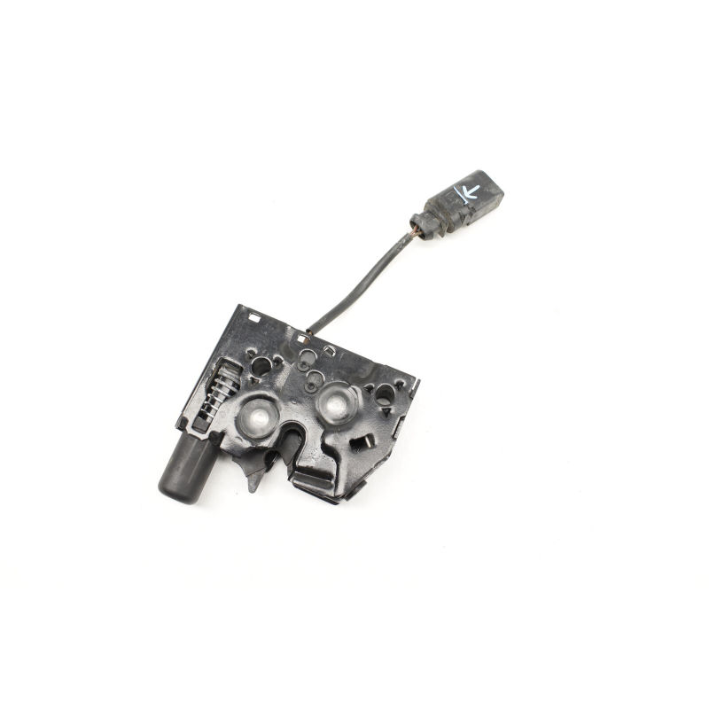 Lock Actuator  Hood Latch  8U0 823 509 For Q3(11-16)
