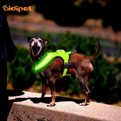 Wholesale Dog Leash Pet Collar  Flashing Led Light Up Dog Harness Vest  Outdoor Custom Harness for Dogs