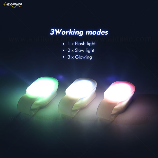Portable Outdoor Led Magnetic Clip on Light Hanging On Bag/Bicycle/Clothes Clip Light with Magnets