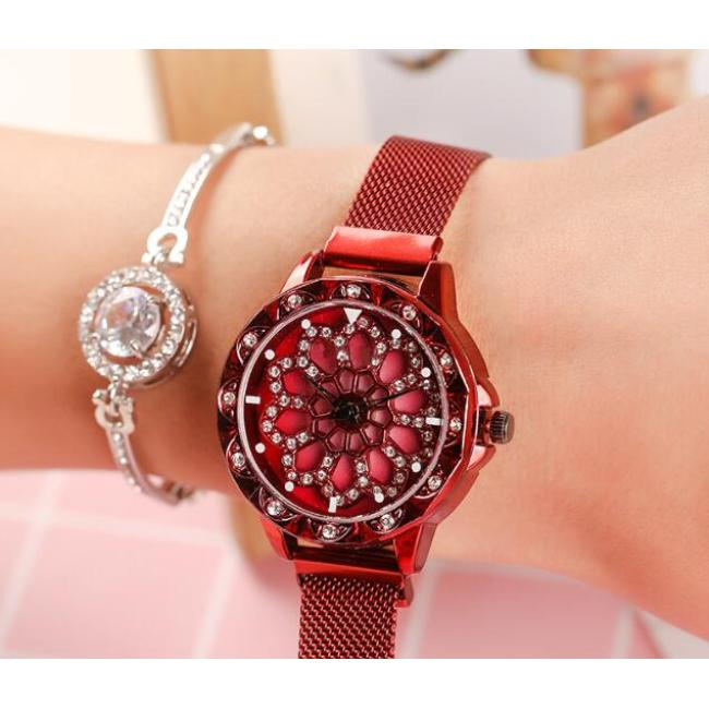 Creative time to run hollow diamond women's magnet buckle Milan with quartz wrist watch