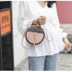 Female bag 2019 Japan and South Korea new net red fashion contrast color retro small round bag casual wild shoulder slung handbag