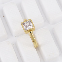 RM1116 Fashion Bling Cubic Zirconia CZ Micro Pave Rings Women Rings of Brass with CZ paved 18k Gold Plated Rings for Ladies