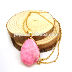 NE2221 Fashion Pink Druzy Pendant Necklace with Gold Plated Chain