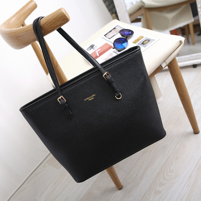 2020 new European and American women's handbag single shoulder fashion foreign trade big bag mummy bag Guangzhou Women's bag spot order