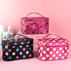 Women's hand-held make-up bag new women's letter color Fashion Square bag travel arrangement storage wash bag