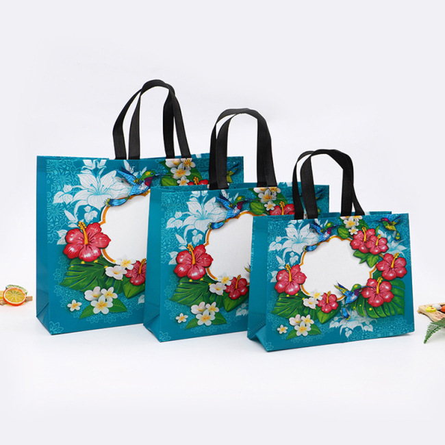 Non woven bags in stock, plastic coated shopping, non-woven handbags, logo advertising, non-woven take away bags