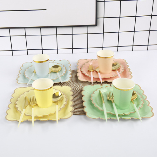 Biodegradable Raw Material Gilding Edge Paper Plates Set Party Luxury Napkin Paper Plates and Cups Set