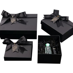 Wholesale Perfume Box Luxury Hard Cardboard Paper Gift Packaging Boxes Wedding Favors for Perfume