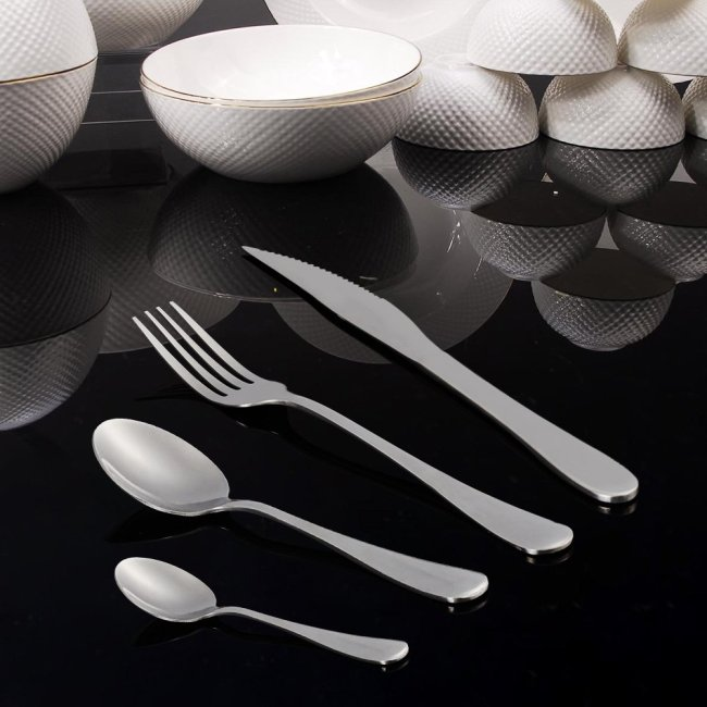 QWQHI 24-Piece Silverware Flatware Cutlery Set, Stainless Steel Utensils Service for 6, Include Knife/Fork/Spoon, Mirror Polished, Dishwasher Safe With Wooden Gift Box Silver