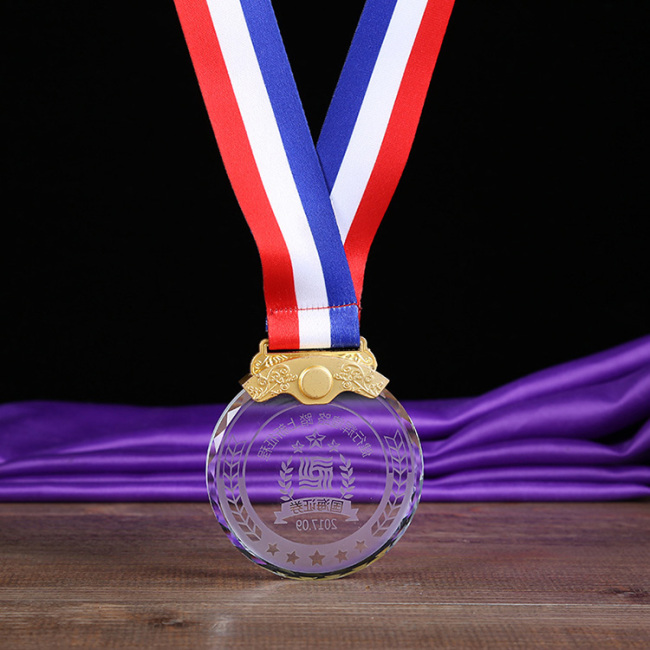 Metal lock crystal medal, three - color lanyard crystal medal for the competition award