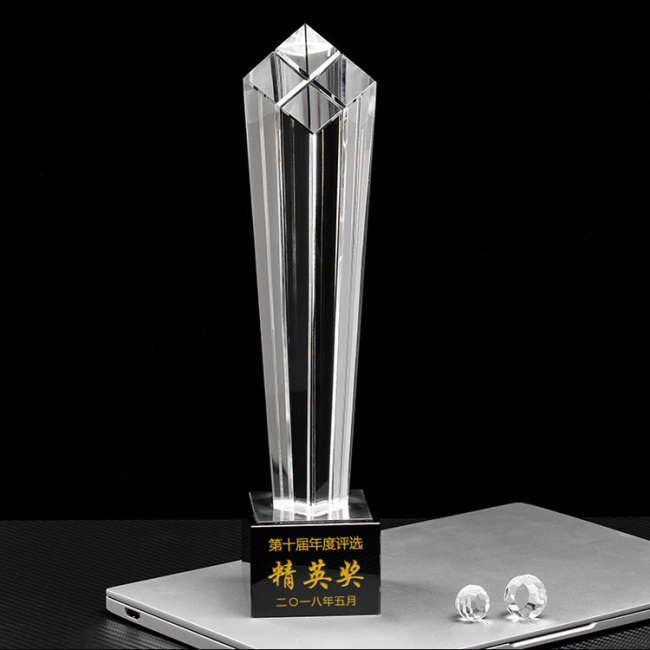 New Custom Design Crystal Awards Trophy Fortress Crystals With Black Base For Corporate Crystal Gifts