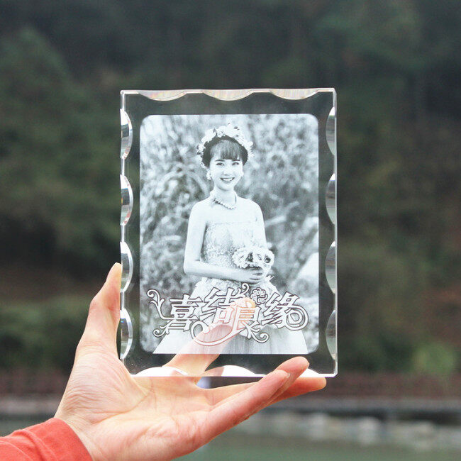 high quality custom transparent 3d crystal cube  laser engraving photo frame for Wedding gift