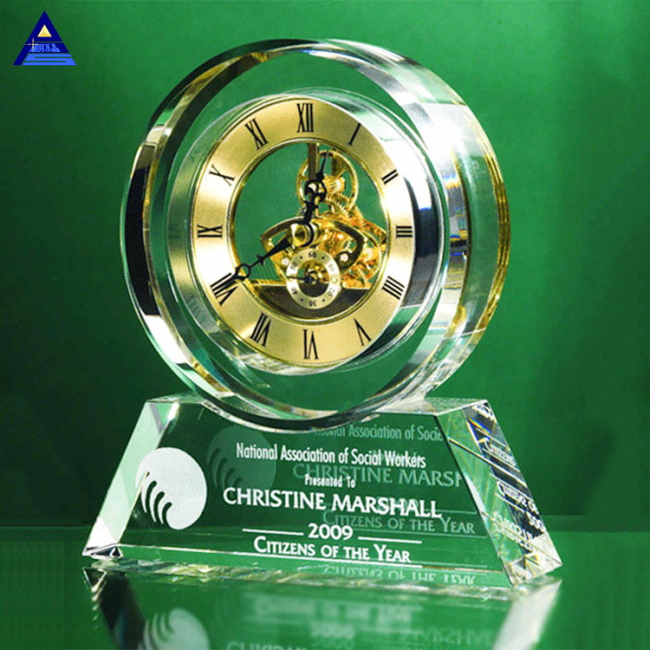 China Supplier New Design 3D Laser Engraving Crystal Desk Clock For Souvenir Gift