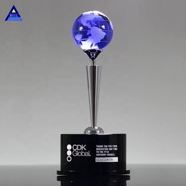 Wholesale Newest Custom Crystal Glass Award Trophy For World Globe events