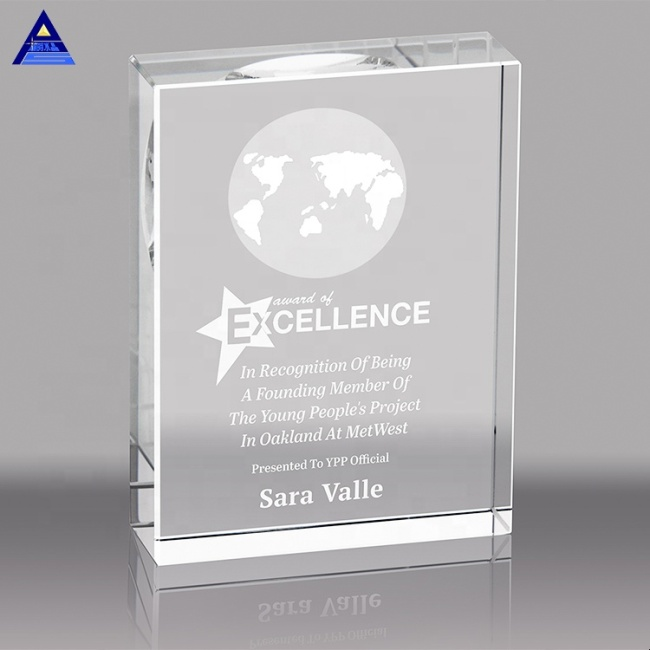 New Design Engraved Popular Custom World Map Crystal Awards And Trophies With Base