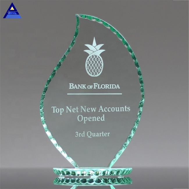 Pujiang Unique Shape Design Custom Woman Shaped Crystal Trophy Award