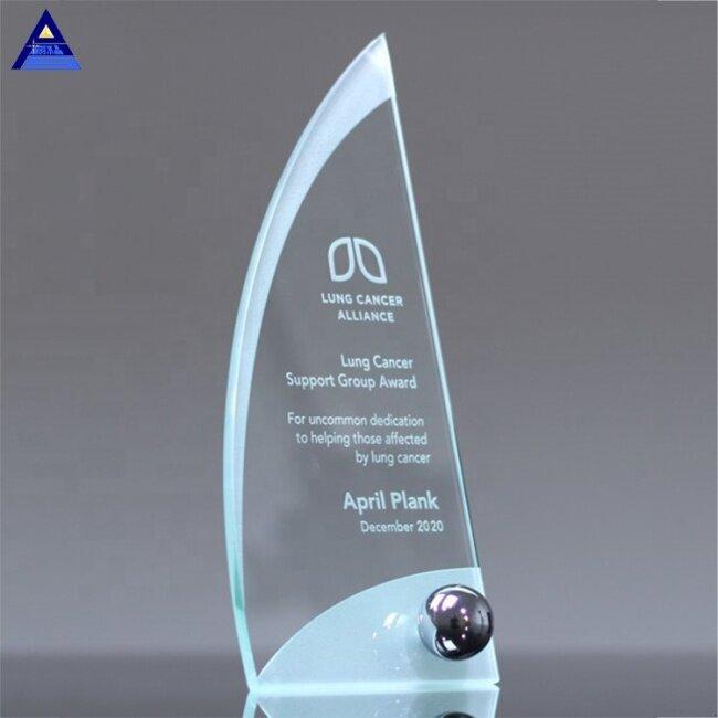 Factory Price K9 High Quality 3D Laser Ergo Glass Award Crescent Crystal Souvenir