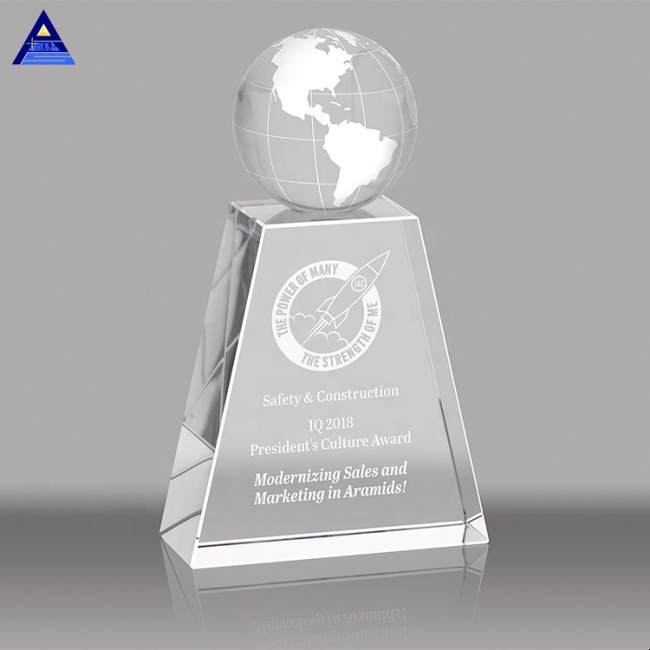Unique Design Crystal Hand Hold Globe Trophy Award for Fair Souvenir